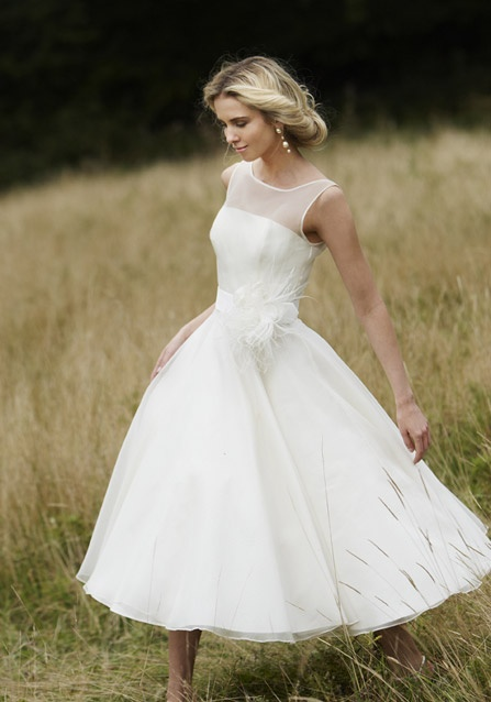 Wedding Gown Tips For The Petite Bride