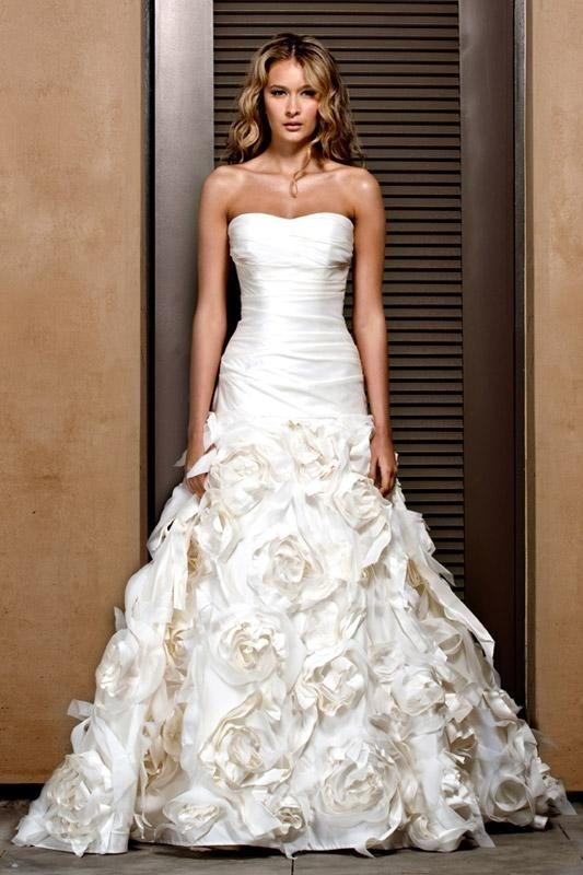 Tips for finding the perfect wedding dress ewedding for How to find the perfect wedding dress