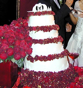 Gwen Stefani's Wedding Cake