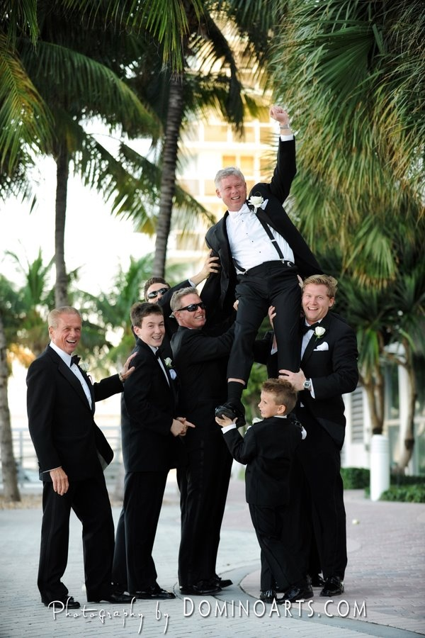Silly Groomsmen Wedding Photo
