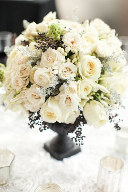Most Fragrant Centerpiece Flowers for Your Reception | eWedding