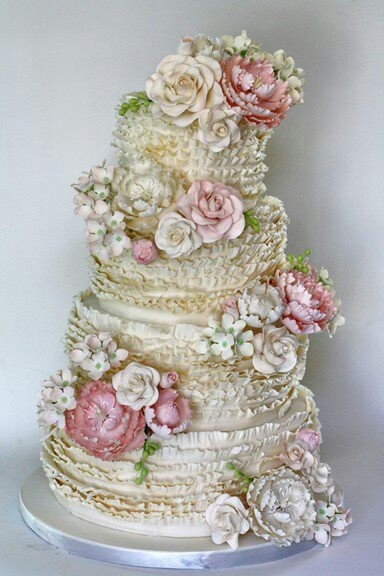 marie Antoinette inspired floral wedding cake