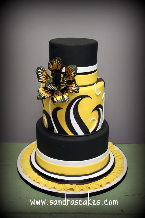 Black and Yellow Bold Wedding Cake